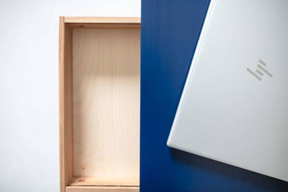Luka Eschenholz Schreibtisch 65x50cm mit Schublade / Graphit